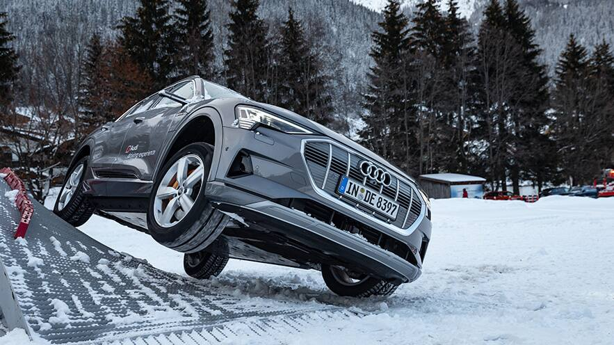 Driving-Experience-Davos-883x496.jpg