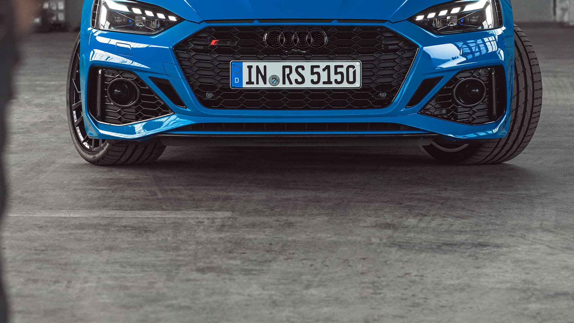 Vista frontale dell'Audi RS 5 Coupé